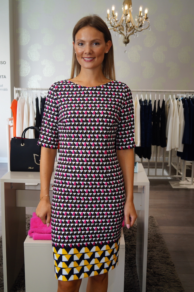 Hugo Boss mekko 399eur