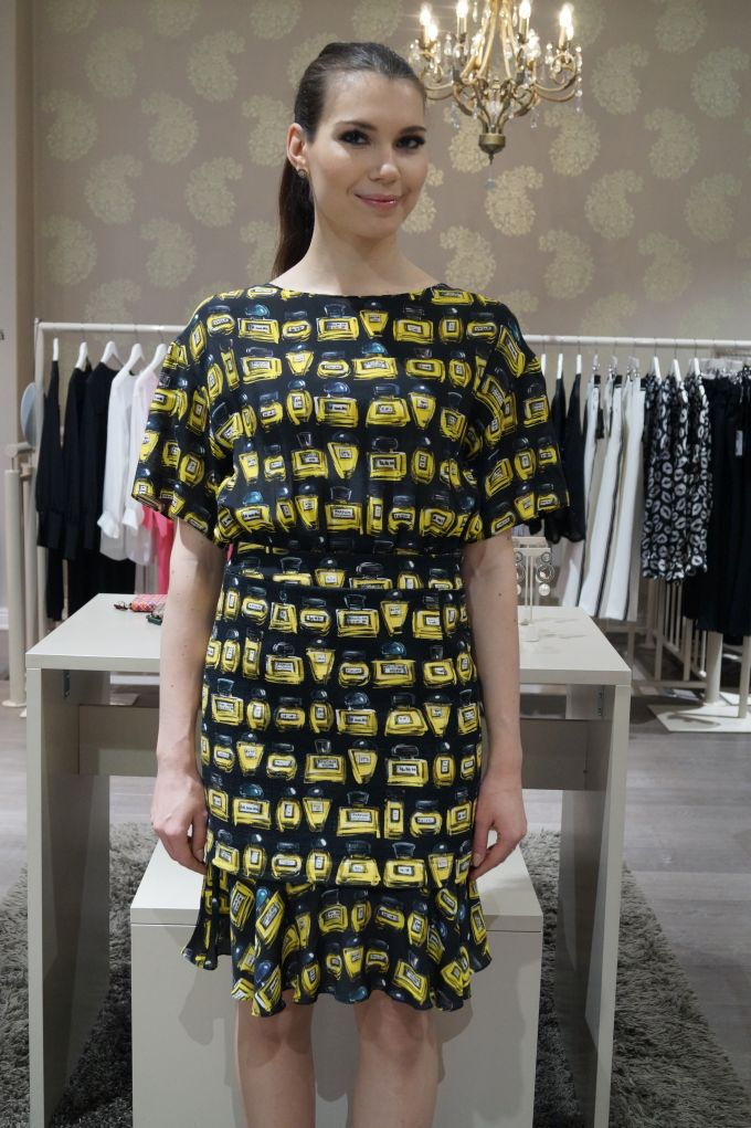 New Collection! Boutique Moschino mekko 695eur