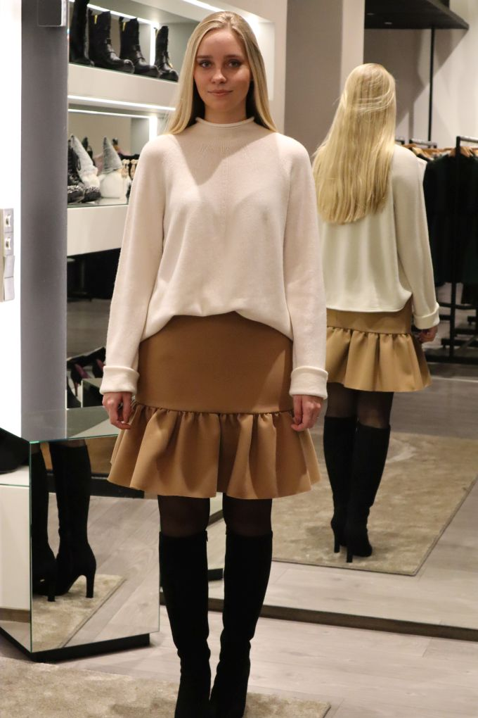 NEW COLLECTION! Theory knit 549eur ja MSGM skirt 275eur